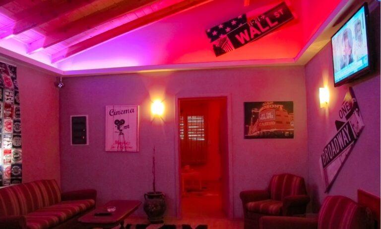 Κορονοϊός: Θετική ιερόδουλη σε νησί -Δύσκολη η ιχνηλάτηση των επαφών