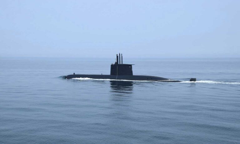 Oruc Reis: Εντόπισαν τουρκικό υποβρύχιο στην Εύβοια;