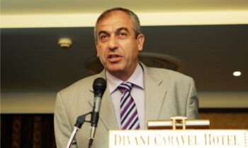 Βαρούχας: «Πέναλτι στον Ελ Αραμπί, λάθος στη γραμμή στη χρήση του VAR» (aud)