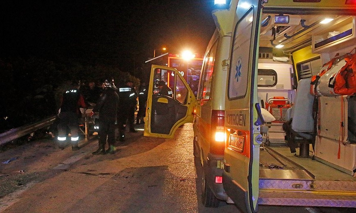 Τραγωδία στην Αλεξανδρούπολη: Δυστύχημα με επτά νεκρούς!. Πολύνεκρο τροχαίο δυστύχημα σημειώθηκε αργά το βράδυ της Τρίτης στον...