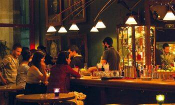 Κορονοϊός: «Ντου» σε συναυλία του Μάλαμα, σφράγισαν μπαρ
