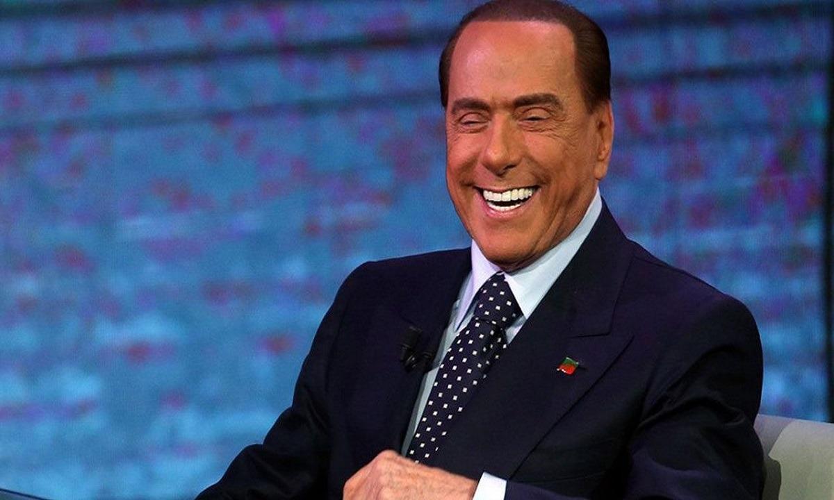Μπερλουσκόνι: Αυτή είναι η κατά 53 χρόνια μικρότερη αρραβωνιαστικιά του. Μπερλουσκόνι: Ο πρώην πρωθυπουργός της Ιταλίας και μιντιάρχης έχει αδυναμία...