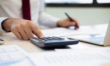 Φορολογικές δηλώσεις: Λήγει τη Δευτέρα (31/8) η προθεσμία