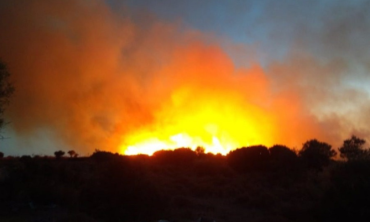 Μόρια: Υπό έλεγχο η φωτιά στην Ούτζα (pics)