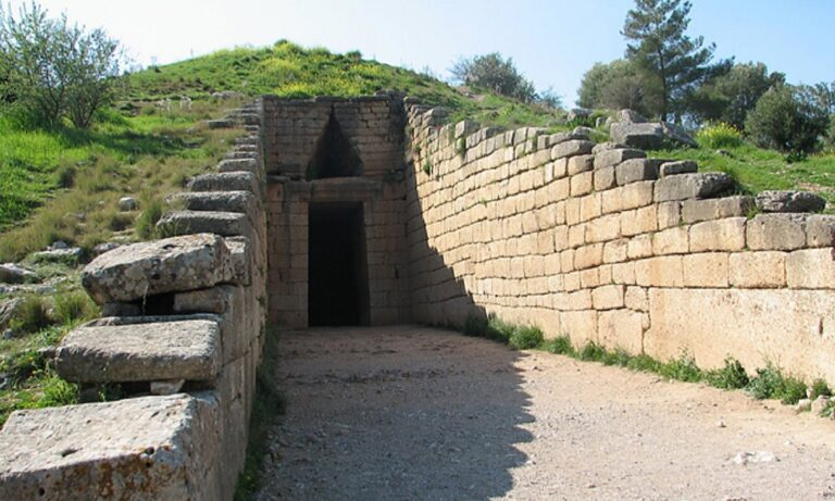 Υπουργείο Πολιτισμού: Η πρώτη εκτίμηση για την πυρκαγιά στον αρχαιολογικό χώρο των Μυκηνών