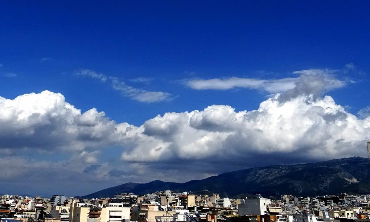 Καιρός 13/8: Γενικά αίθριος, τοπικοί όμβροι σε Μακεδονία και Θράκη