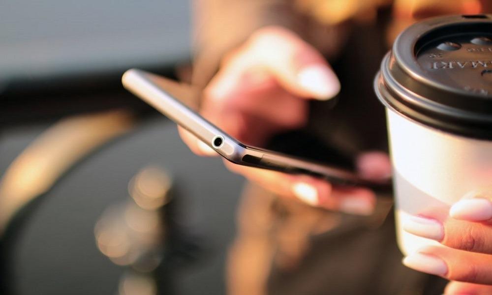 Δείτε τις απάτες με αγορές φθηνών κινητών. Δείτε τις απάτες: Τους έπιασαν γιατί υπόσχονταν φθηνά κινητά τα...