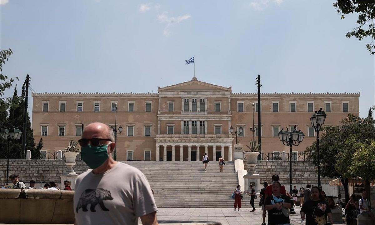Bloomberg: 50% φοροαπαλλαγή σε όσους μεταφέρουν τη φορολογική τους έδρα στην Ελλάδα
