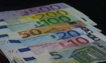 ΟΠΕΚΑ - επιδόματα: Πότε πληρώνονται επιδόματα και παροχές (vid)