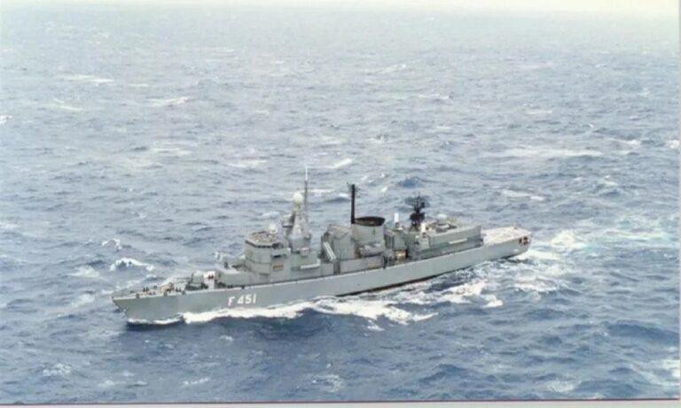 Ένοπλες Δυνάμεις: Δημιουργείται ο στόλος Μεσογείου και Αιγαίου! (vids)