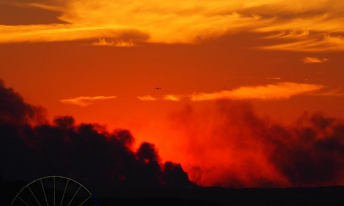 Γαλλία: Εκκενώνονται κάμπινγκ κοντά στη Μασσαλία λόγω πυρκαγιάς. Μια μεγάλη πυρκαγιά, που έχει ήδη κάψει πολλές εκατοντάδες στρέμματα...