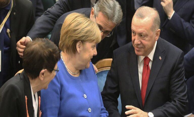 Sabah: Την βοήθεια της Μέρκελ θα ζητήσει ο Ερντογάν για τη μοιρασιά της Ανατολικής Μεσογείου