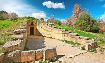 Φωτιά τώρα στις Μυκήνες: Εκκενώνεται ο αρχαιολογικός χώρος