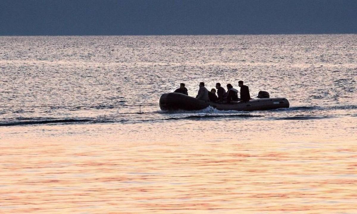 Μυτιλήνη: Έφτασε βάρκα με πρόσφυγες και μετανάστες. Ενεργοποιήθηκε το κλιμάκιο του ΕΟΔΥ και έχουν ληφθεί δείγματα για τον κορονοϊό