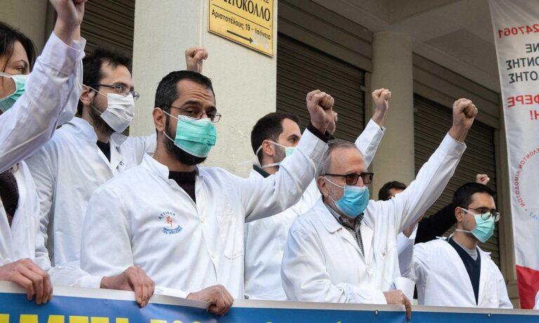 Κορονοϊός- Καταγγελία ΣΟΚ από νοσοκομειακούς γιατρούς: «Αποσιωπούν τα κρούσματα»!