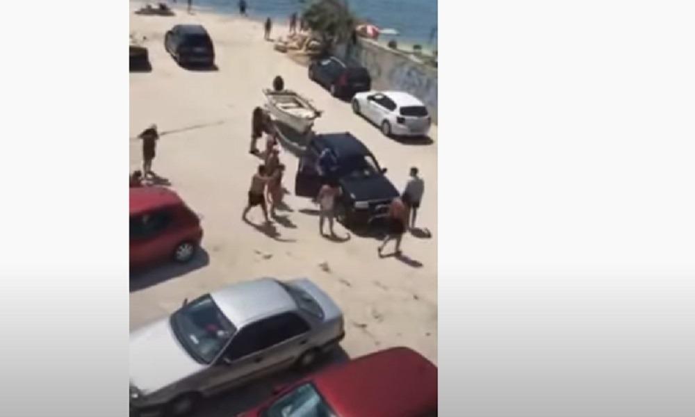 Χαλκιδική: Μπουνιές, βρισιές και σύρραξη στην παραλία (video)