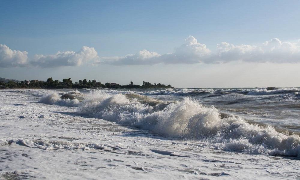 Πνιγμοί σε Βραυρώνα, Σκιάθο και Καλαμαριά. Πνιγμοί: Τρεις άνθρωποι έχασαν την ζωή της σε παραλίες της...