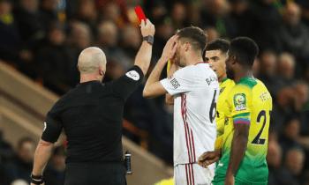 Premier League: Έβηξες; Αποβλήθηκες!