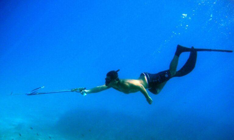 Νεκρός ανασύρθηκε από τη θαλάσσια περιοχή του Πόρτο Ράφτη 35χρονος ψαροντουφεκάς