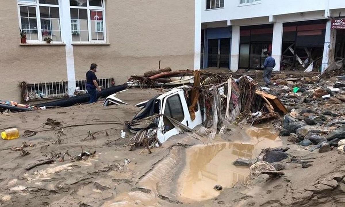 Σοκ στην Τουρκία: Πέντε νεκροί, 12 αγνοούμενοι από ξαφνικές πλημμύρες