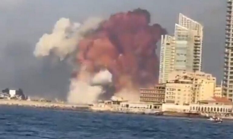Βηρυτός: Σοκαριστικές εκρήξεις στο λιμάνι – Ταρακουνήθηκε ολόκληρη η πόλη (vids)
