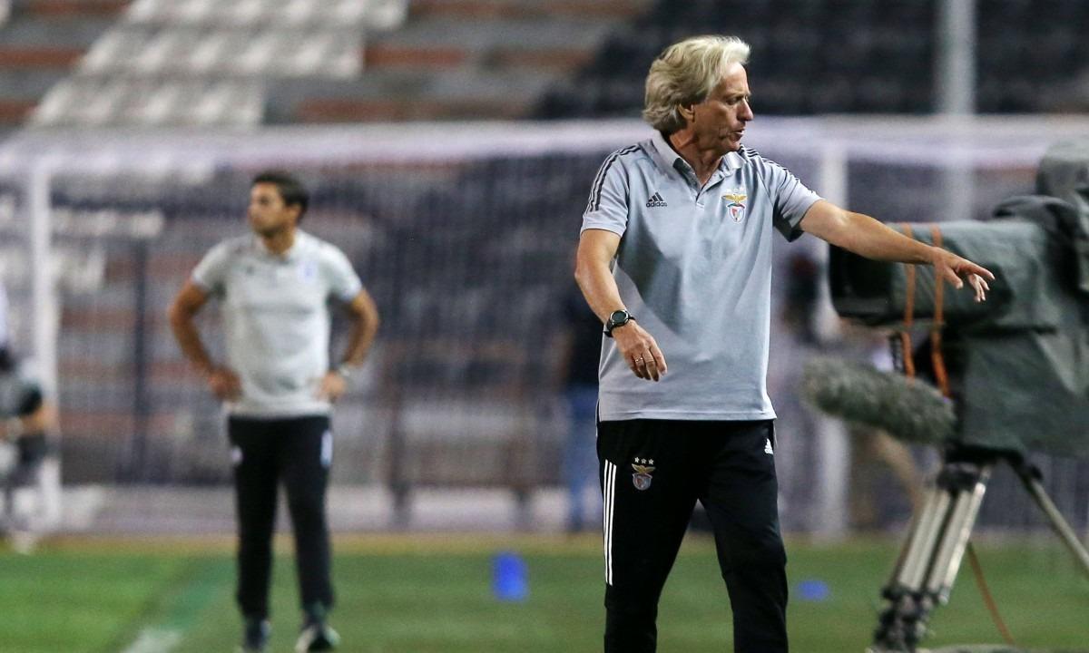 Ζεσούς: «Ήμασταν καλύτεροι και φαίνεται στα στατιστικά…». Ο προπονητής της Μπενφίκα, Ζόρζε Ζεσούς, μίλησε για τον αποκλεισμό...