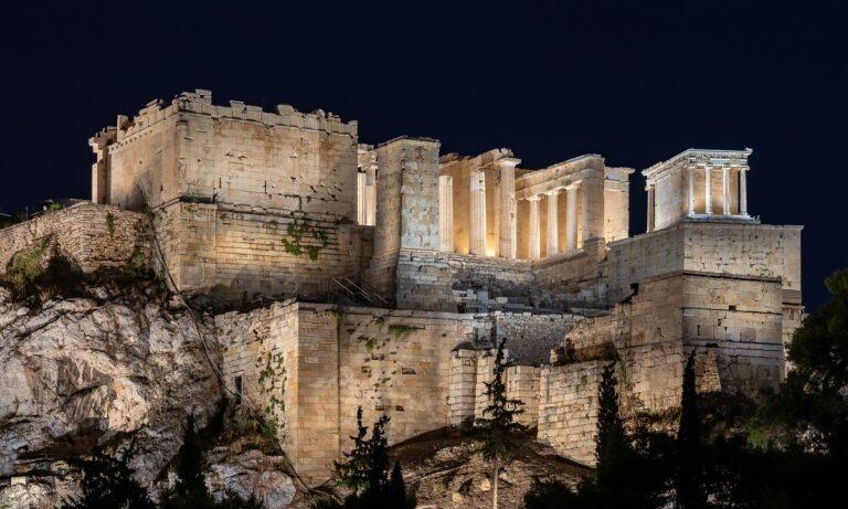 Ακρόπολη: Αυτός είναι ο νέος εντυπωσιακός φωτισμός του Ιερού Βράχου (vid+pics)