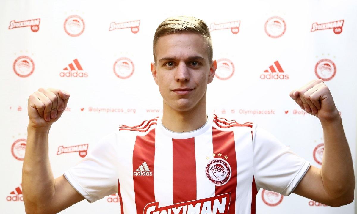 Ολυμπιακός: Ο Τσούμιτς δανεικός στην Σπόρτινγκ Χιχόν. Ο Σέρβος εξτρέμ έγινε συμπαίκτης με τον Ούρος Τζούρτζεβιτς, που έχει φορέσει την ερυθρόλευκη φανέλα