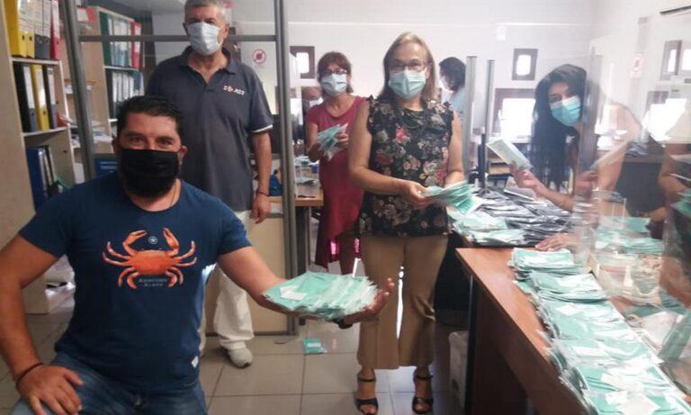 Χαλάνδρι: Μάχη με τον χρόνο για τις μάσκες στα σχολεία (pics)