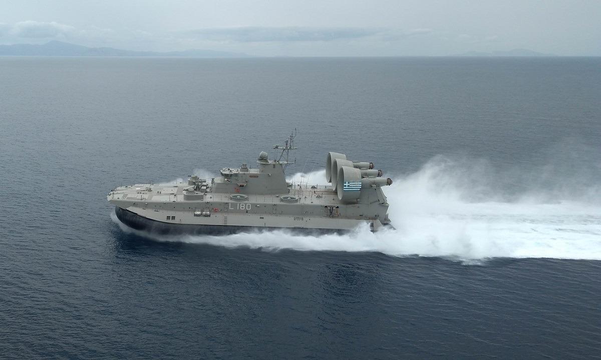 Ένοπλες δυνάμεις: Τα ελληνικά πλοία ταχείας μεταφοράς που στέλνουν στην Τουρκία 2.000 κομάντος