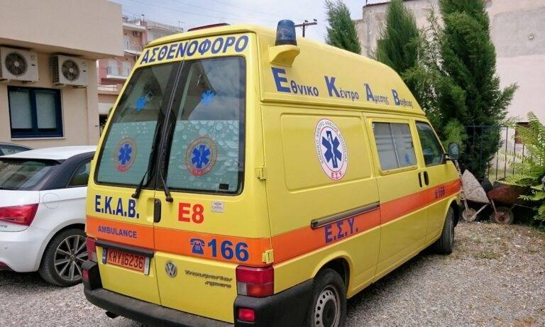 Τροχαίο ατύχημα στη λεωφόρο Κηφισίας στο ύψος του ΚΑΤ