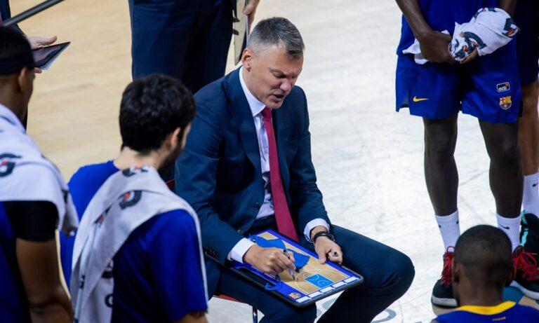Γιασικεβίτσιους: Τα «χώνει» στους παίκτες του σε τάιμ άουτ