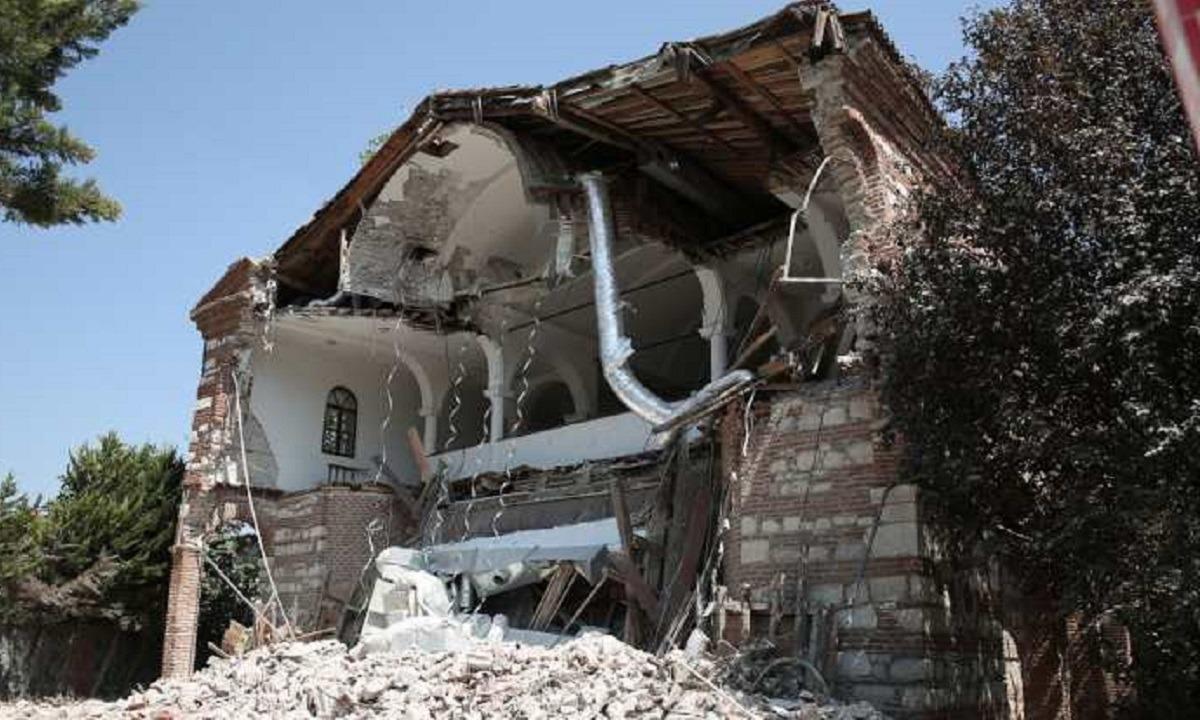 Fake news πως ο ναός του Αγίου Γεωργίου στην Προύσα κατεδαφίστηκε