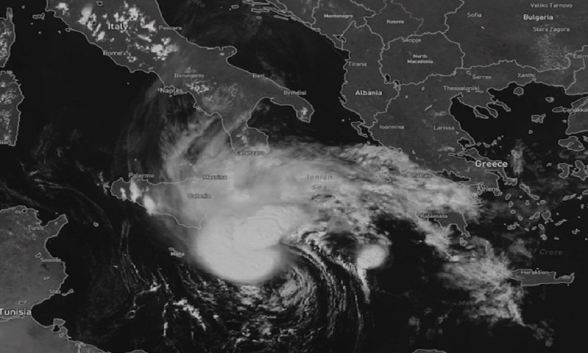 Καταιγίδα Ιανός: Έρχεται στην Ελλάδα από την Ιταλία. Καταιγίδα Ιανός: Ταχέως προς την Ελλάδα από την Ιταλία κινείται...