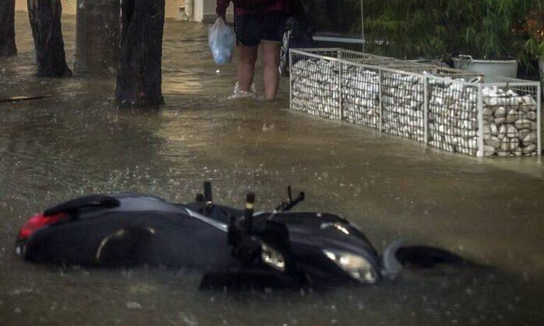Κακοκαιρία Ιανός: Αλλάζει πορεία ο κυκλώνας – Ποιες περιοχές εκπέμπουν SOS
