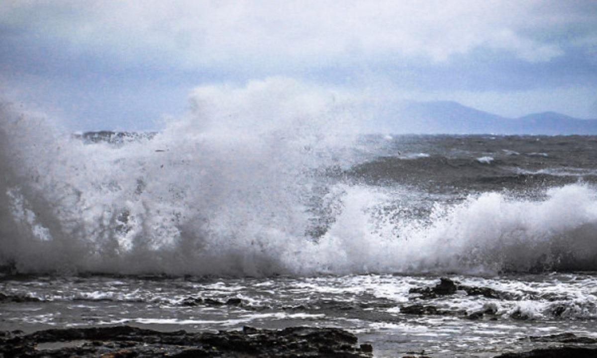 Κακοκαιρία Ιανός: Σάρωσε την Κεφαλονιά-Ζημιές σε όλο το νησί (vids)