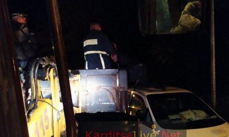 Κακοκαιρία Ιανός: Νύχτα αγωνίας στην Καρδίτσα – Αγνοούμενοι και εγκλωβισμένοι! (vids)