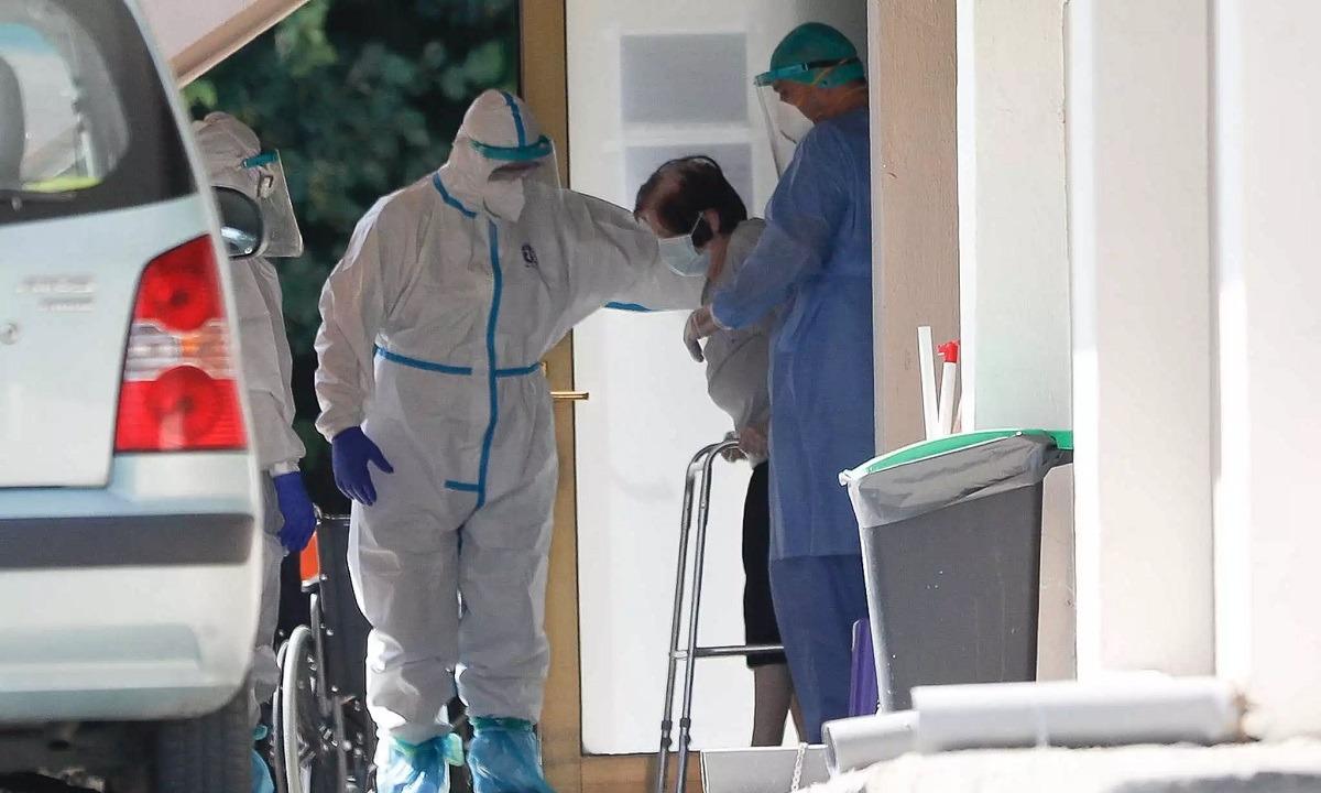 Κορονοϊός: Υγειονομικές «βόμβες» οι οίκοι ευγηρίας – Μεγάλη ανησυχία για την Αττική