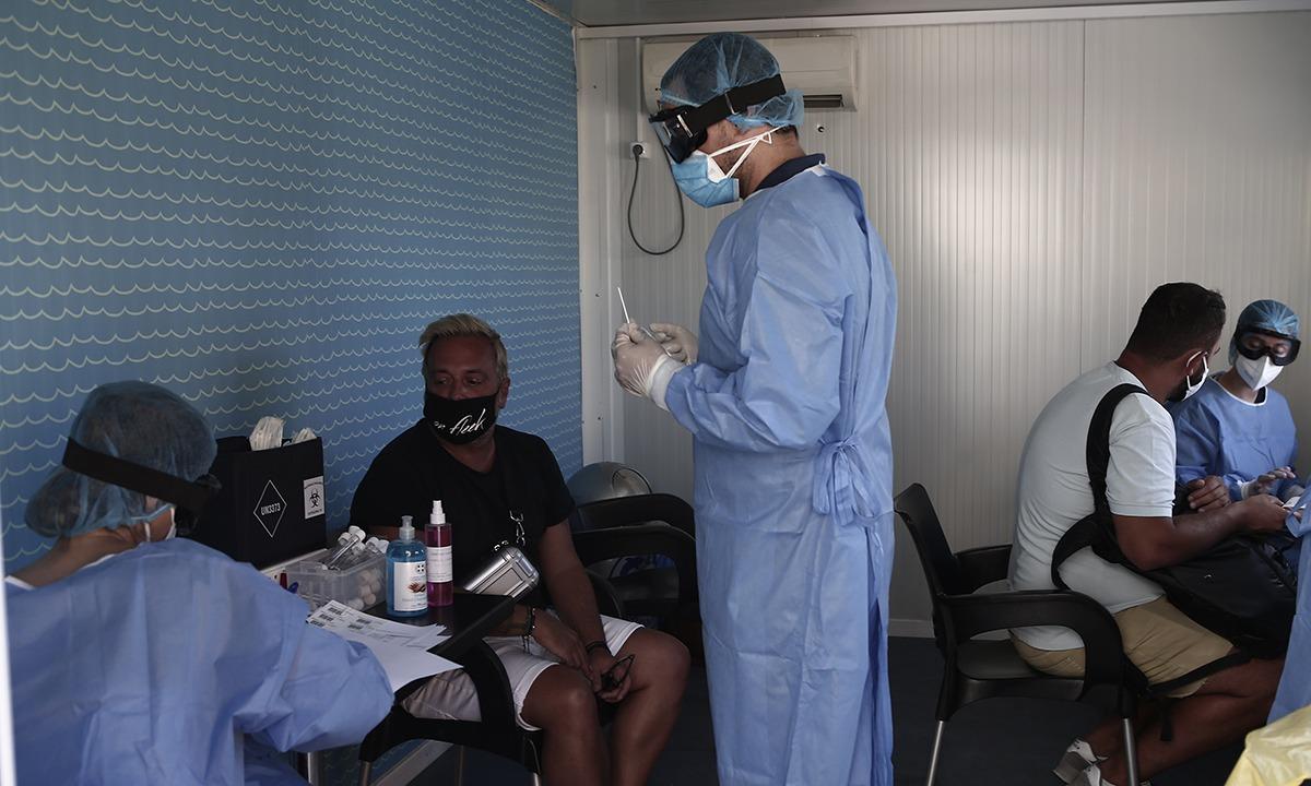 Κορονοϊός: Περισσότερα από 400 νέα κρούσματα