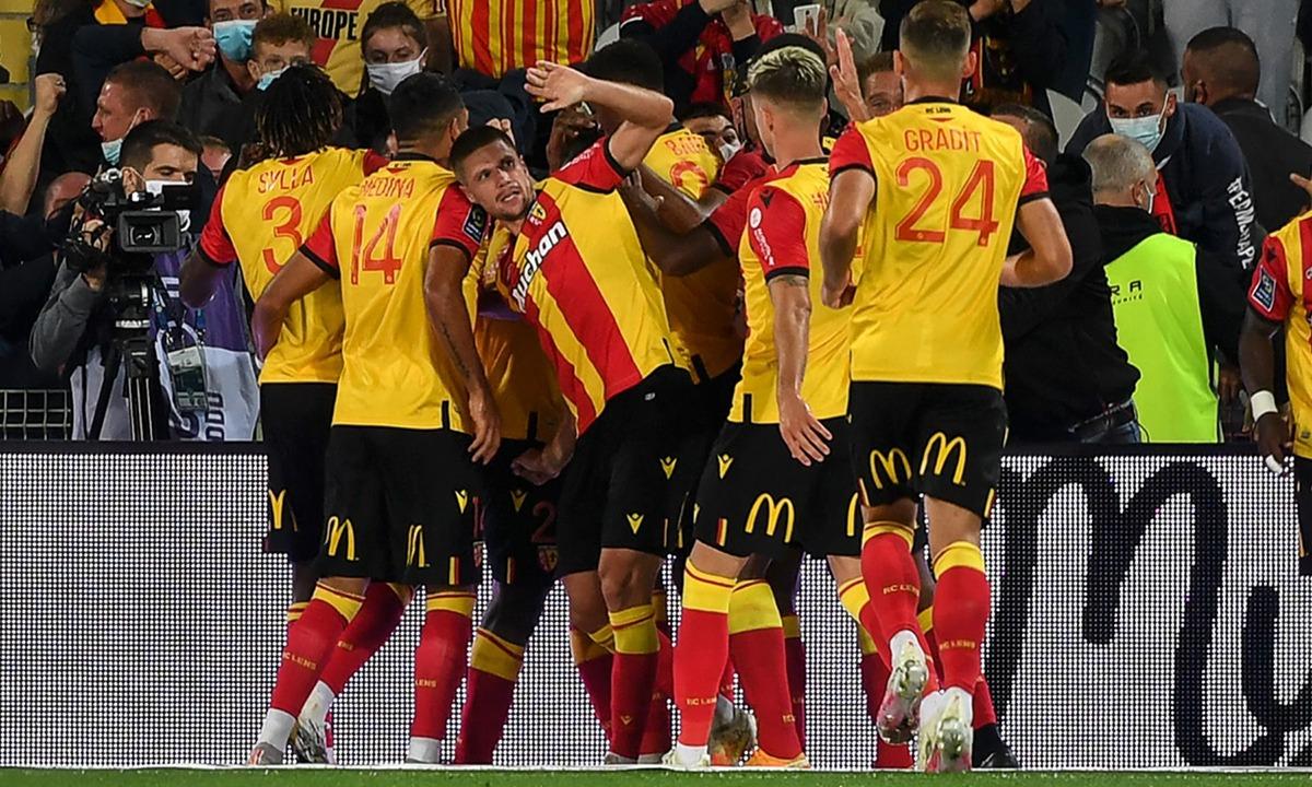 Λανς – Παρί 1-0: Μισή ομάδα, έκανε το λάθος και ο Μπούλκα (vid)