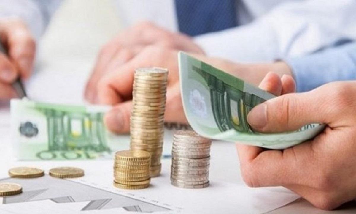 Μείωση εισφορών: Πόσο αυξάνονται οι μισθοί στον ιδιωτικό τομέα (vid)