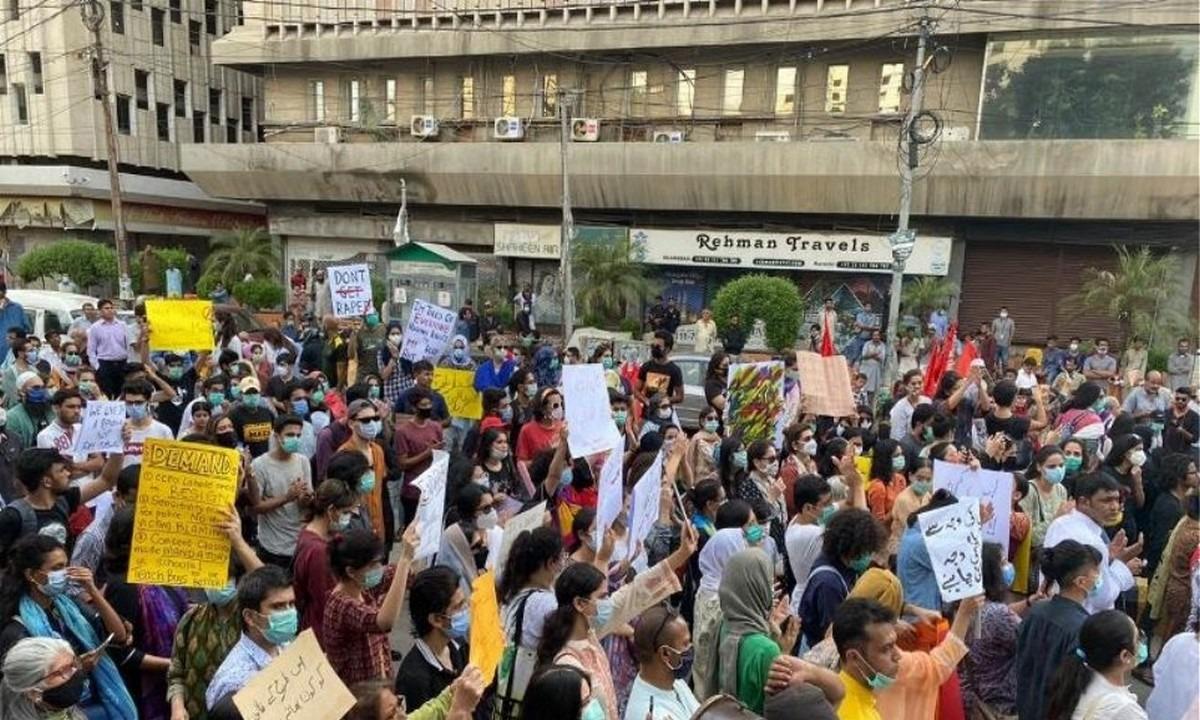 Πακιστάν: Ο πρωθυπουργός σκέπτεται τον χημικό ευνουχισμό των βιαστών