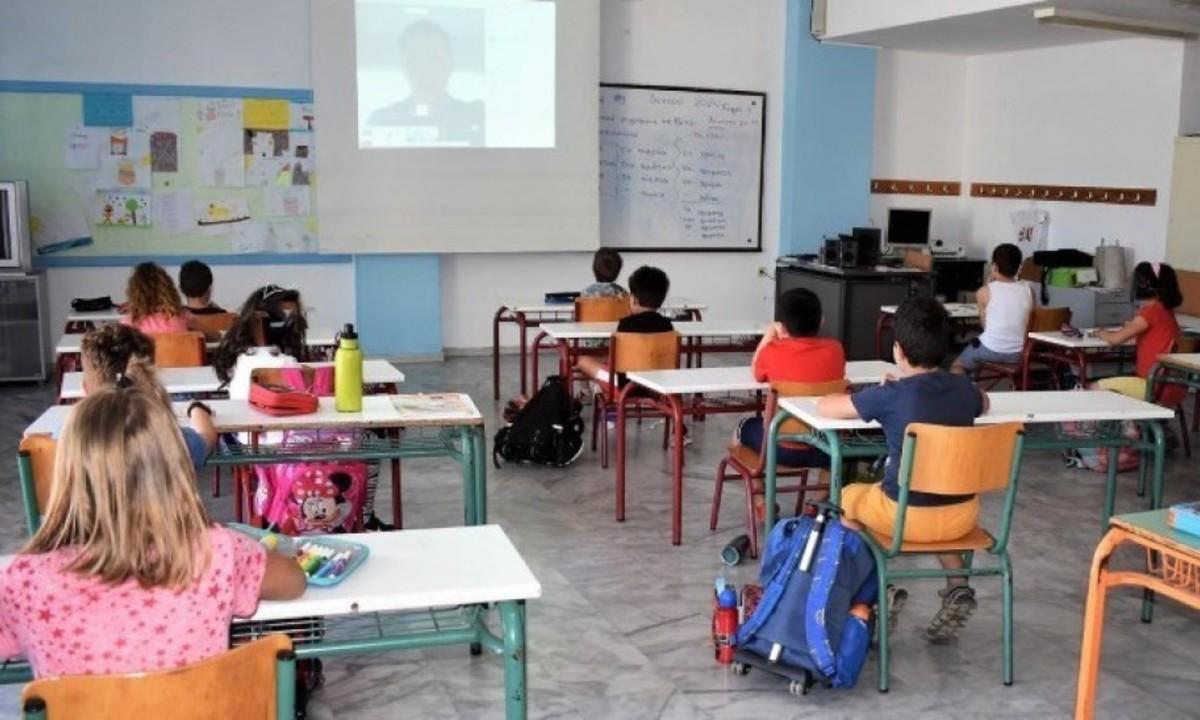 Σχολεία: Πώς θα λειτουργήσουν ανά την Ευρώπη – Που είναι υποχρεωτική η χρήση μάσκας