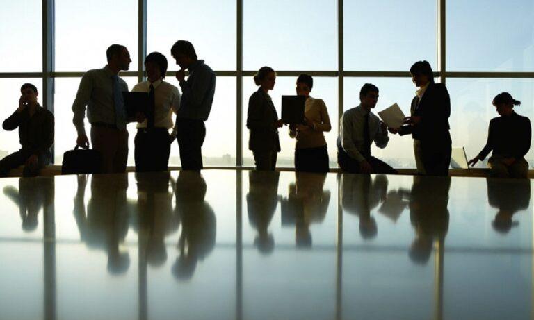 100.000 θέσεις εργασίας: Πώς και πότε θα γίνουν οι αιτήσεις (vid)