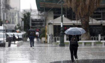 Καιρός 28/9: Φθινοπωρινός με βροχές και καταιγίδες