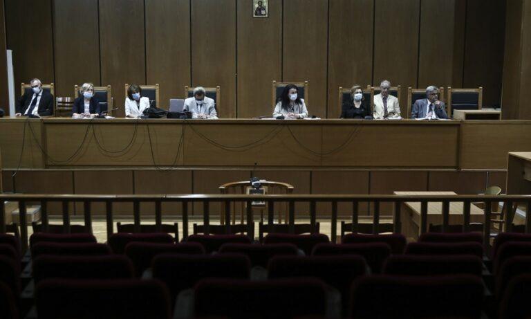 Δίκη Χρυσής Αυγής: Ώρα αποφάσεων έπειτα από 5,5 χρόνια – «Φρούριο» το Εφετείο (vids)