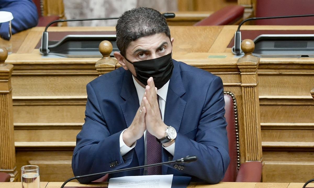 Ο Λευτέρης Αυγενάκης έχει δική του ατζέντα ή ακολουθεί την κυβερνητική γραμμή;