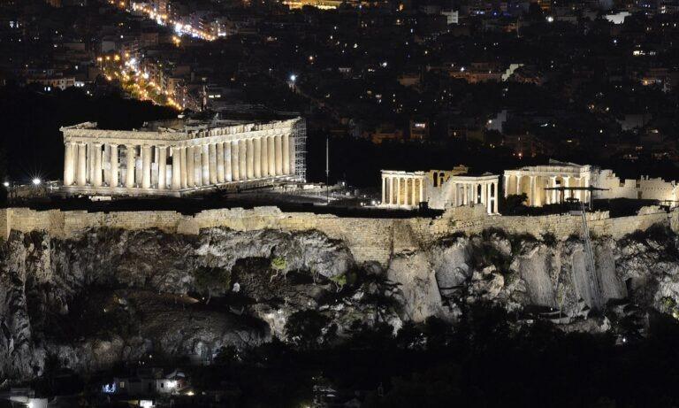 Ακρόπολη: Εντυπωσιακός ο νέος φωτισμός, προκάλεσε αίσθηση παγκοσμίως (vid)