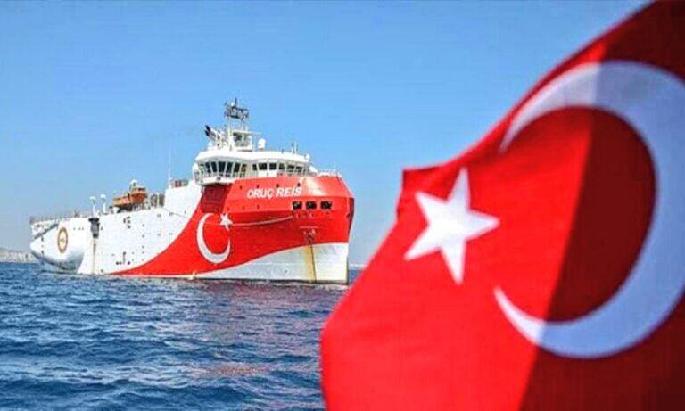 Oruc Reis: Σκηνικό πολέμου – Απέπλευσε ο τουρκικός στόλος από τη Σμύρνη