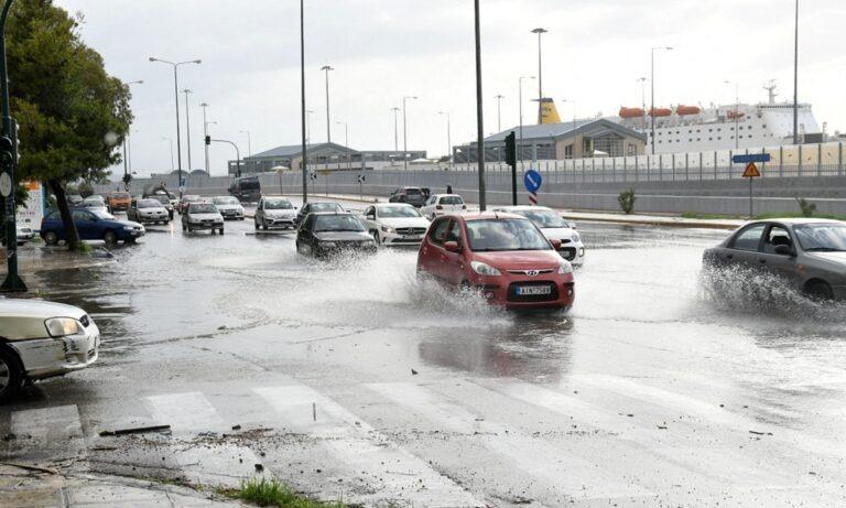 Χαλάει ο καιρός το Σάββατο (7/11): Βροχές και θυελλώδεις βοριάδες (vid)